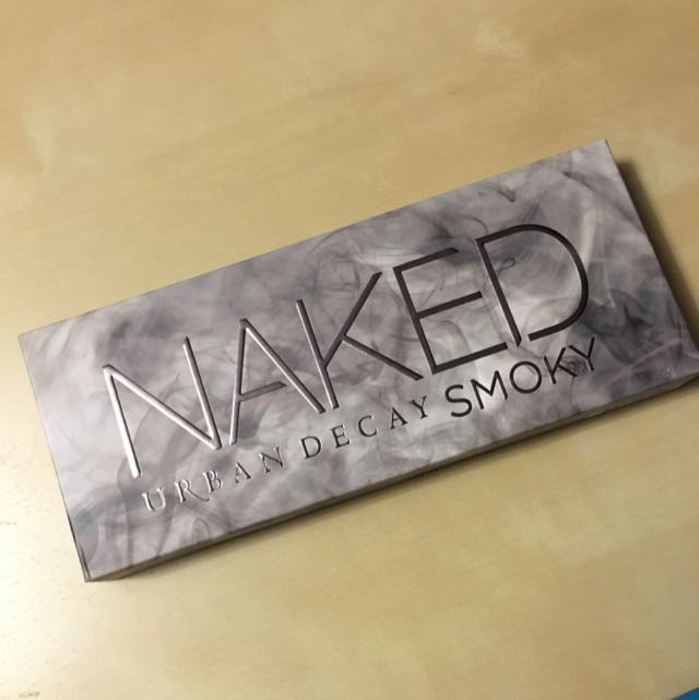 Naked Smokey - By Urban Decay (real)