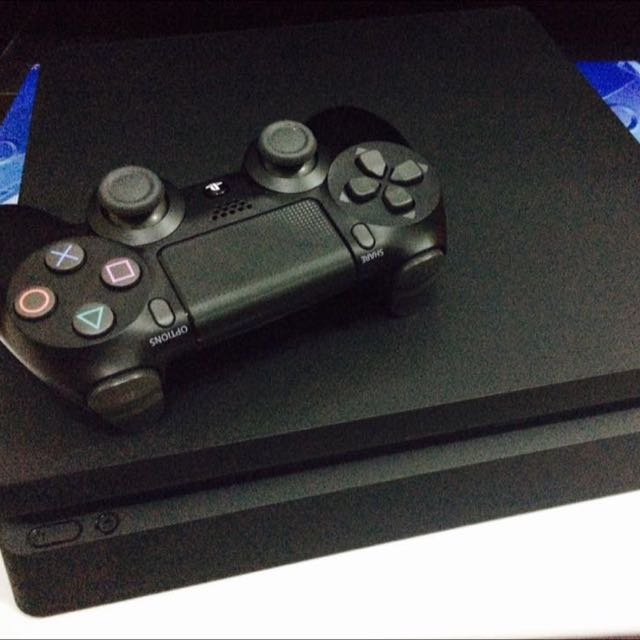 PlayStation®4  Slim 500GB (2016) with 3 PS4 Game