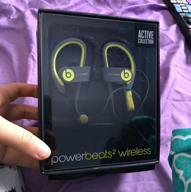 Power Beats 2 Wireless Headphones