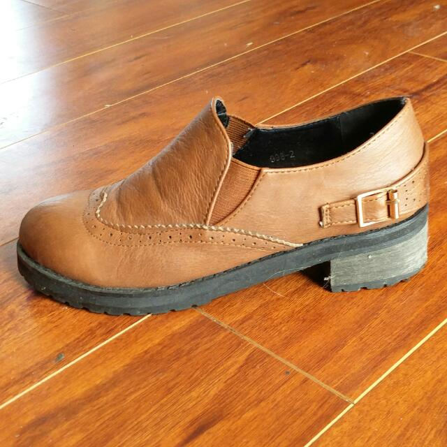 Slip-on brogues - size 5