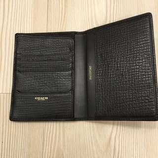 Coach 荔枝紋護照夾(黑)