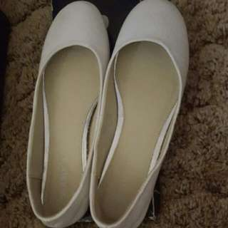 Amy Rosa Flats! New in box!