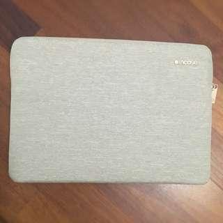 13 inch MacBook Pro InCase Sleeve