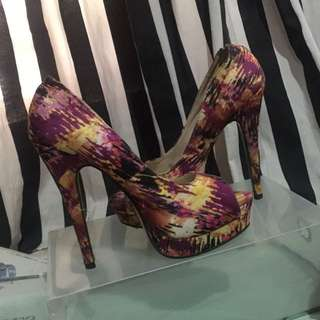 High Heels Abstrak