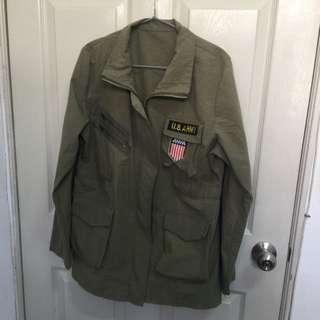 墨綠色軍裝薄外套