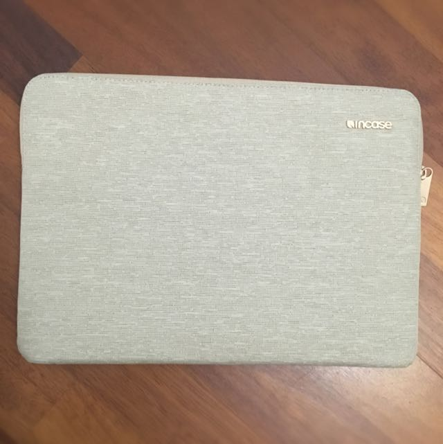 13 inch MacBook Pro InCase Sleeve