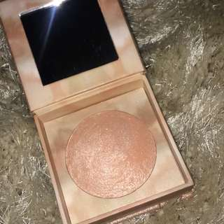 **pending** URBAN DECAY NAKED Illuminated Shimmering powder