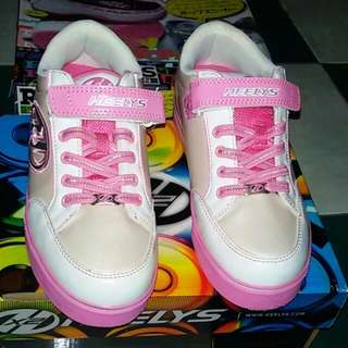 Ruber shoes w/ whells for kids