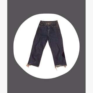 抽鬚牛仔褲