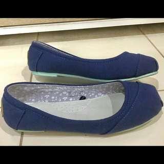 Blue Flat Shoes By Wakai Original