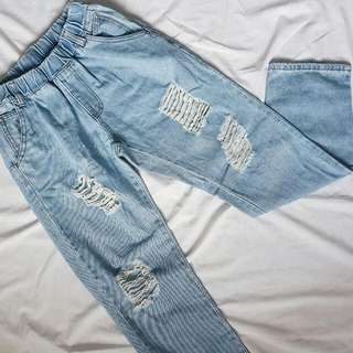 Ripped Lazy Jeans(light washed)