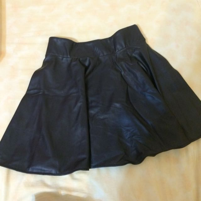 皮質黑短裙