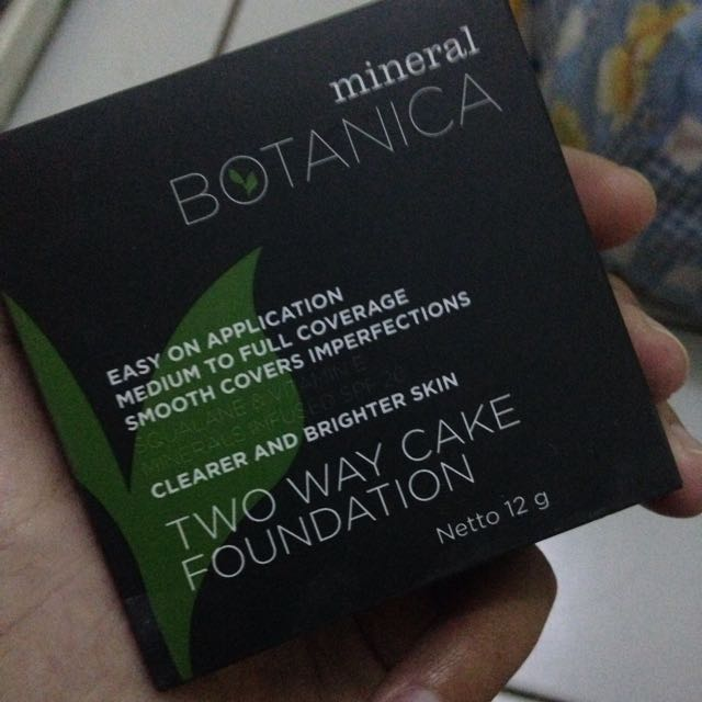 Bedak Mineral Botanica Two Way Cake