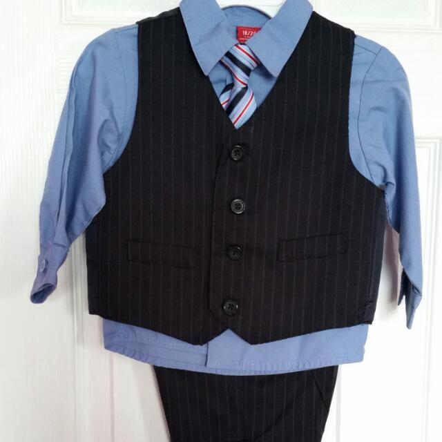 Boy's Arrow 4-pc suit Size 18-24 months