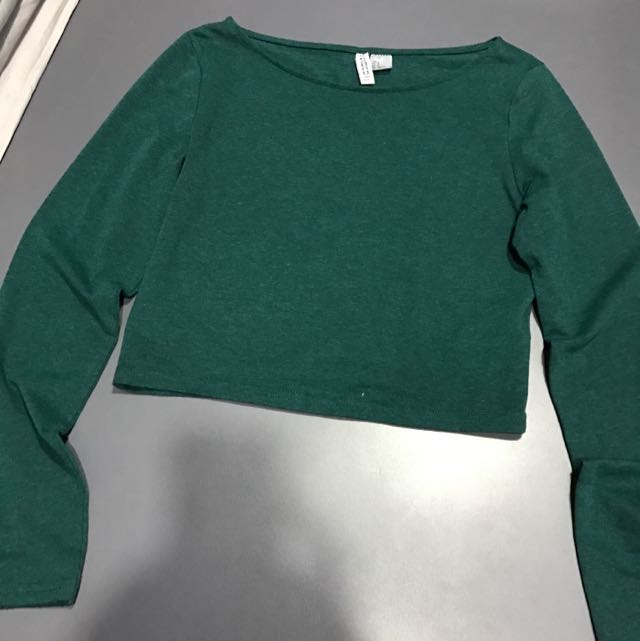 939f0171 H&M Divided Long Sleeve Crop Top, Women's Fashion, Clothes, Tops on  Carousell