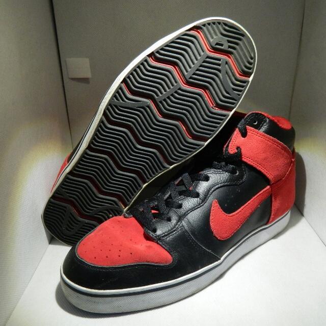 Nike 6.0 Dunk SB High - Black + Red