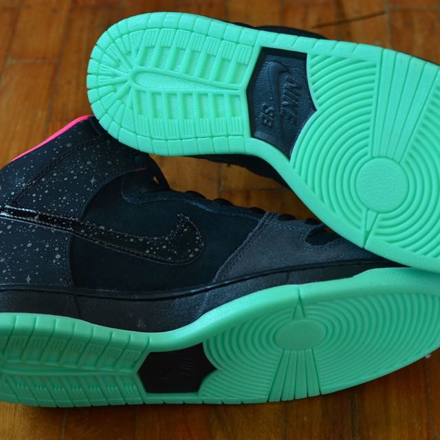 on sale 0a01d f2850 Nike SB Dunk High Premium Northern Lights Yeezy Glow in the Dark, Men s  Fashion, Footwear on Carousell