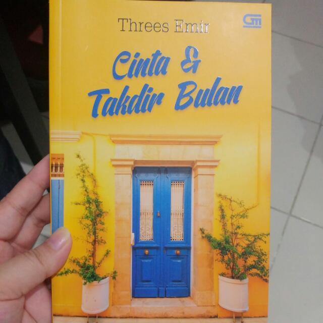 PRELOVED CINTA & TAKDIR BULAN