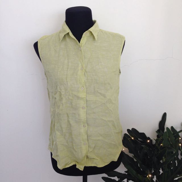 Uniqlo Linen Sleeveless Buttondown