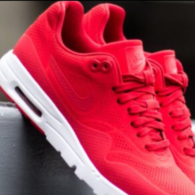 Women Size 7 Red Air Maxes