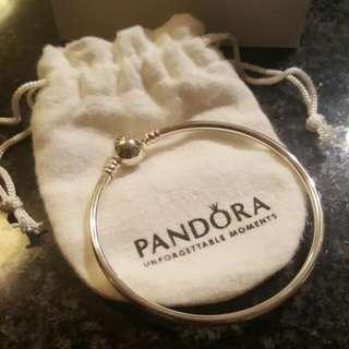 Brand NEW Authentic PANDORA bracelet