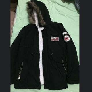 風衣絨毛貼布外套