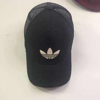 BLACK ADIDAS LOGO HAT