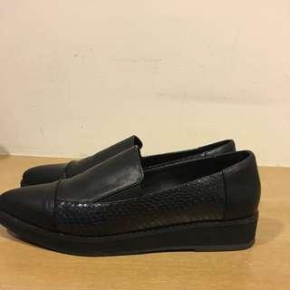 尖頭時尚平底鞋