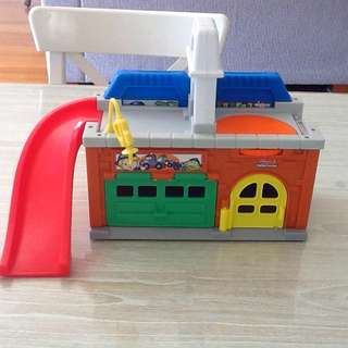 Fisher Price Little People Car Wash & Garage