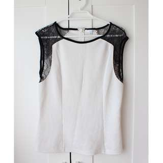 Valleygirl Lace Top - Size M