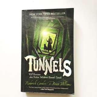 Tunnels oleh Roderick Gordon (terjemahan)