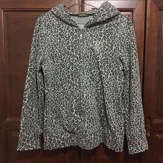 新光三越專櫃購入 灰色豹紋外套