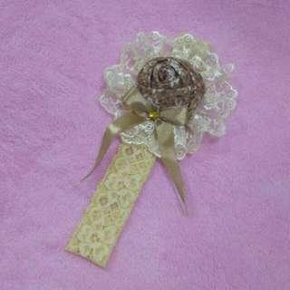 Bandana Bayi - Cream Flower Ribbon