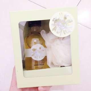 NEW The Body Shop Shower Gel ~Moringa~