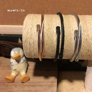 扭繩鈦鋼彈性手環