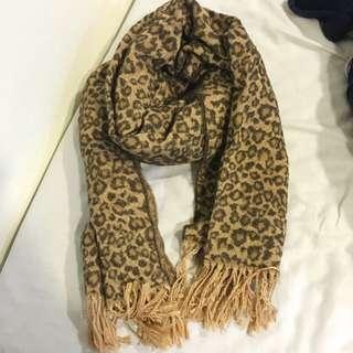 毛呢豹紋圍巾披肩