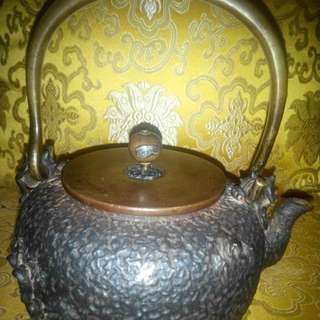 日本龜文堂鐵壺
