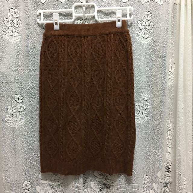 駝色毛線包臀裙