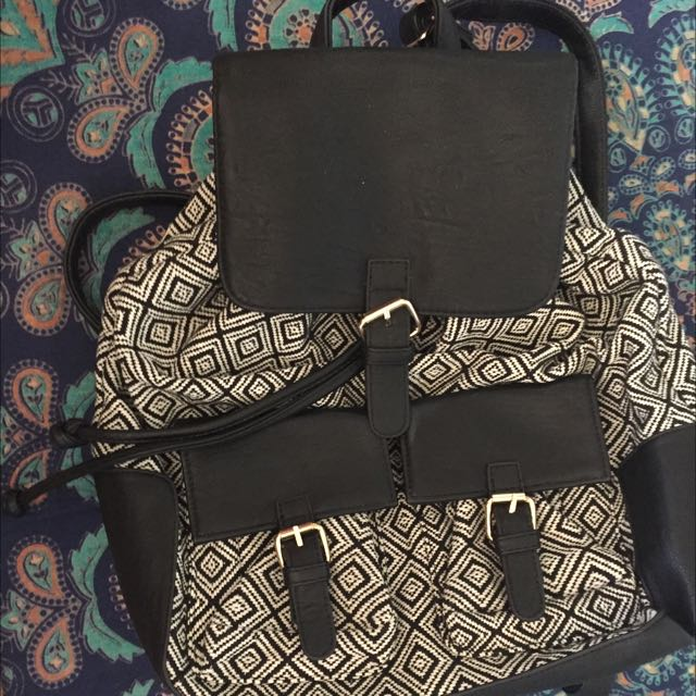 Aztec Pattern Drawstring Backpack
