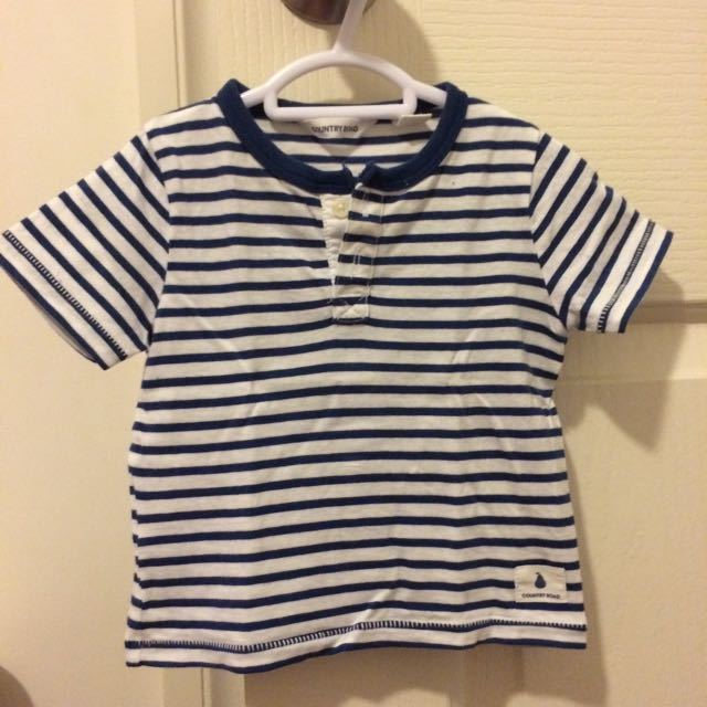 Country Road tshirt size 00