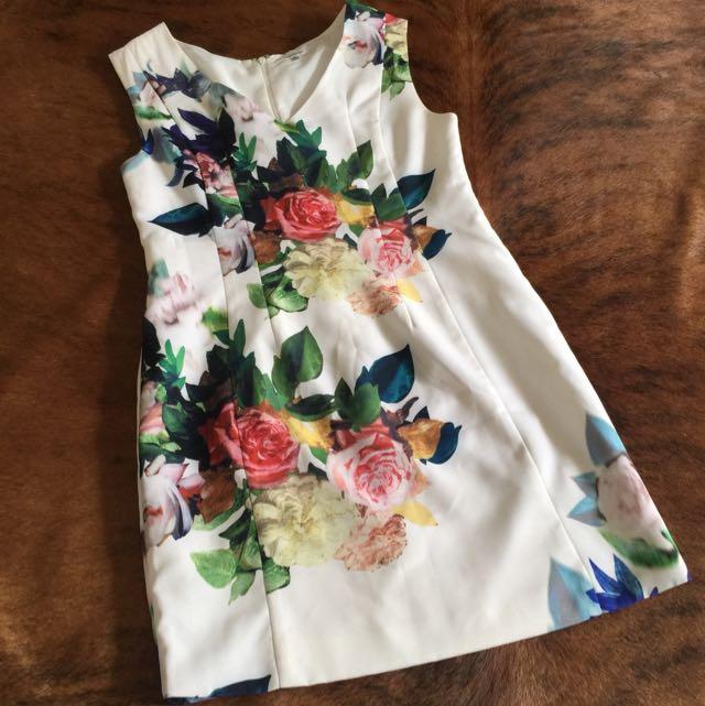 Flora Dress Size 10