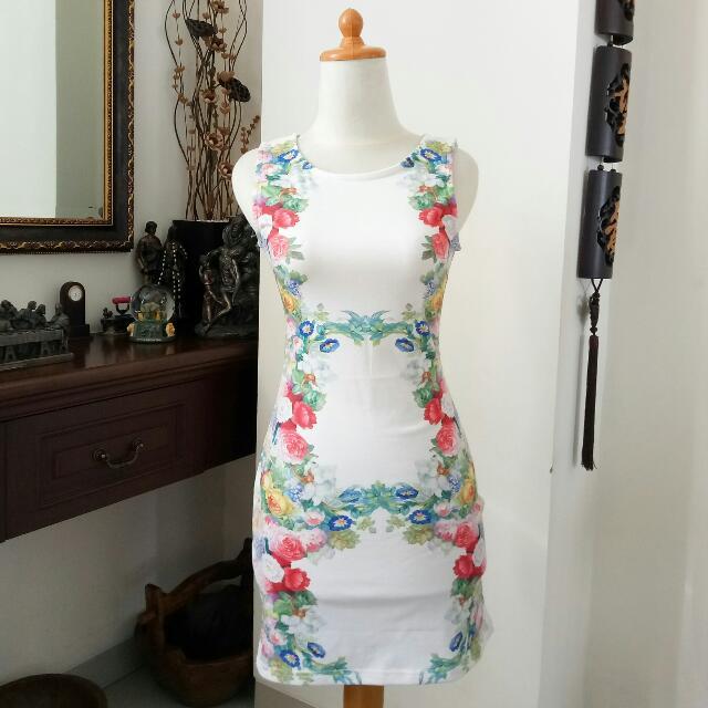 Flowery Side Bodycon Dress