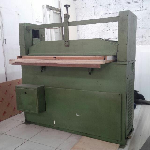 Mesin Cutting / Ponz