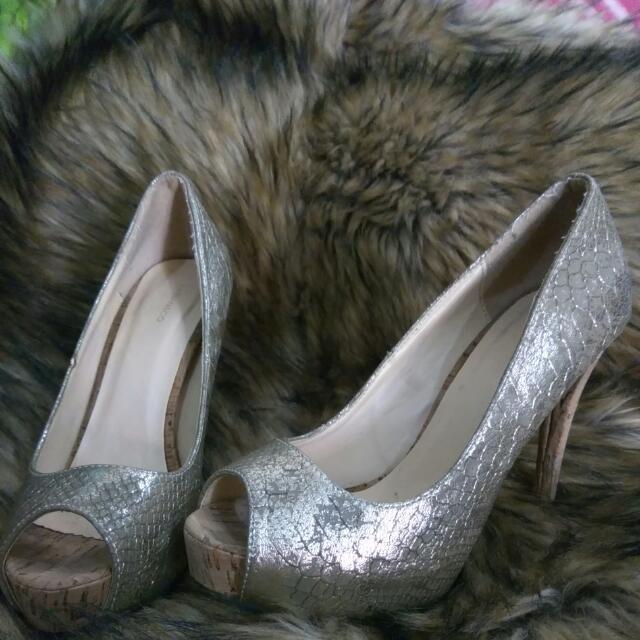 Sepatu Urban&Co