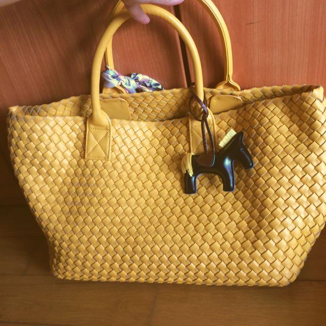 655ac189f26b Yellow Italian Woven HandBag Agnello Composito