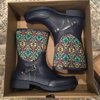 Brand New In Box Size 11 UGG Rainboots
