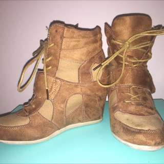 Sportsgirl Boot Heels