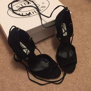 STEVE MADDEN Black Lace Up Heels