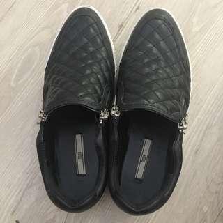 Nose Shoes