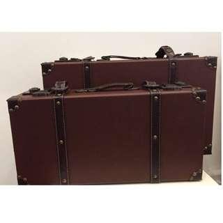 {Rental} Vintage Suitcases